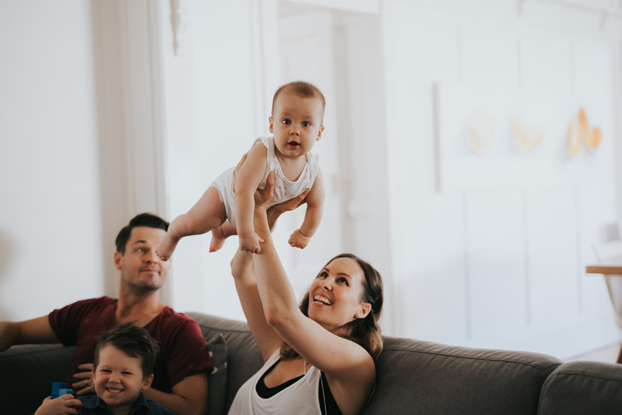 Brisbane Family Photographer Lifestyle Photography Newborn Maternity Photo in home photo session_0022
