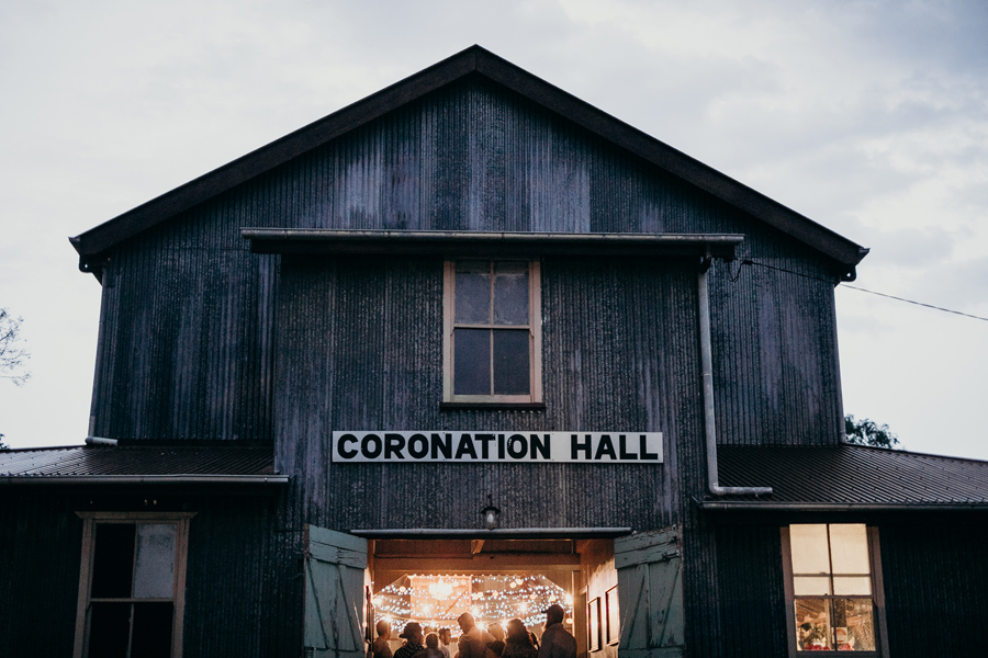 Coronation Hall Wedding Photographer Somerset Dam Bebes Farmhouse Photography Queensland Rustic Country DIY Wedding _0052